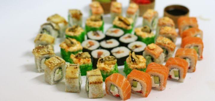 Скидка 50% на килограммовый сет «Мега люкс» от сети магазинов «Суши Сет»