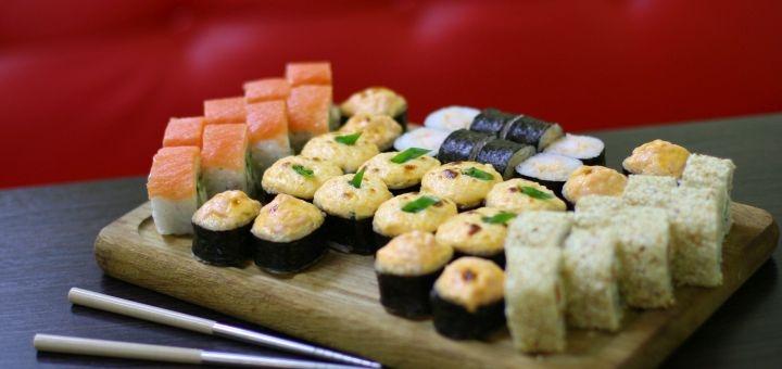 Скидка 50% на килограммовый сет «Рыбный» от сети магазинов «Суши Сет»