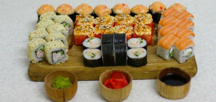 Скидка 55% на сет «Хитовый килограмм» от сети магазинов «Суши Сет»