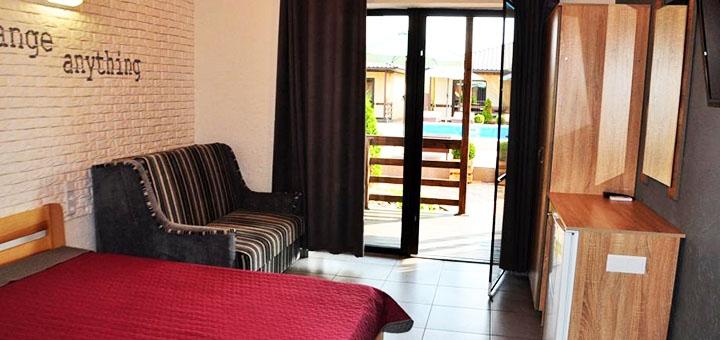 От 4 дней отдыха в июне и июле с бассейном в коттеджном комплексе «Sunrise» в Коблево
