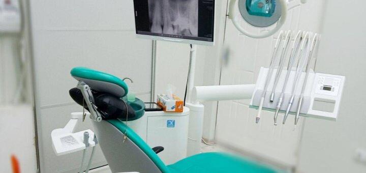 Скидка до 83% на УЗ-чистку зубов, «Air Flow» и фторирование от стоматолога Чеснок А.В.