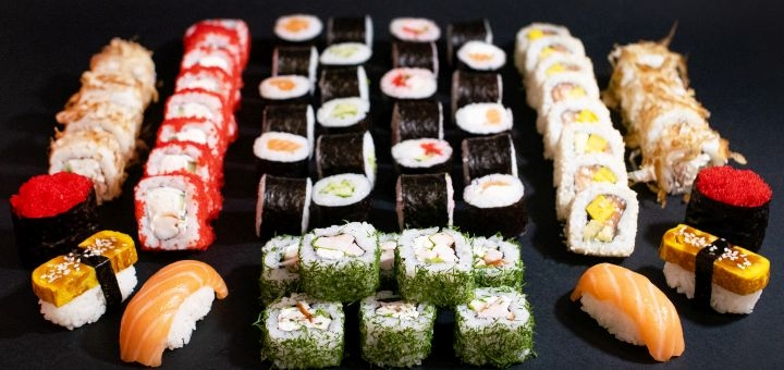 Скидка 50% на суши-сеты «S», «M» или «L» с доставкой от «Sensei sushi»