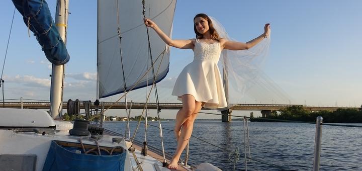 Скидка до 40% на прогулку для компании до 8 человек в будний или выходной день на яхте «Воля»