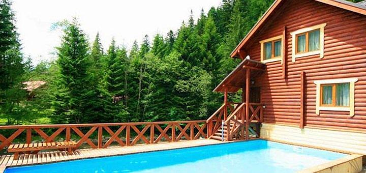 От 3 дней отдыха с питанием и бассейном с подогревом в отеле «Пацьорка» вблизи Буковеля