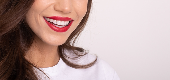 Скидка 52% на профессиональное отбеливание зубов у стоматолога Яны Павловой
