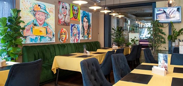 Скидка 50% на все меню кухни на летней террасе и в ресторане европейской кухни «Public Cafe»