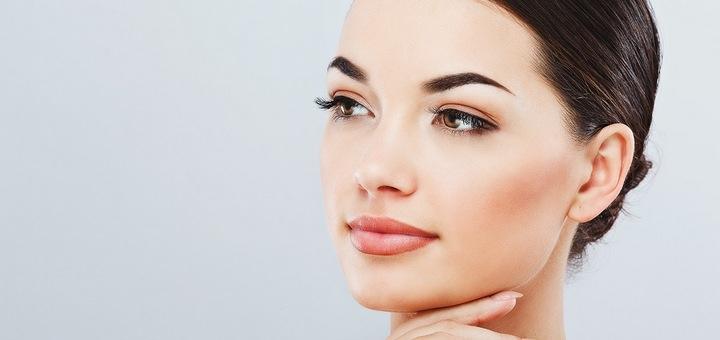 До 3 сеансов лазерного удаления татуажа бровей или губ в студии красоты «Beauty Room»