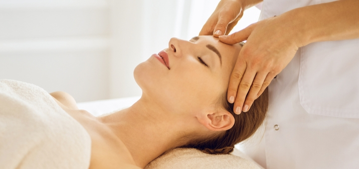 До 7 сеансів масажу обличчя, шиї та зони декольте від косметолога-естетиста Олени Мавдрик