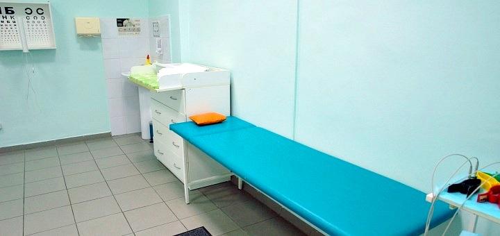 Обследование у терапевта с ЭКГ и общим анализом крови в медицинском центре «Радомед»