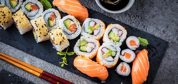 Скидка 50% на все меню кухни, суши и шашлык в суши-маркете от «Суша-ВО!»