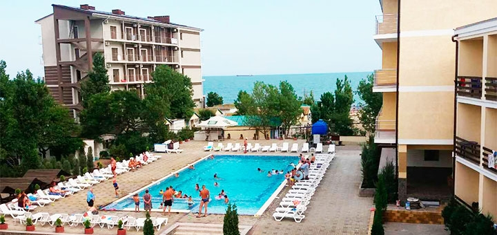 От 3 дней в бархатный сезон на базе отдыха «Маяк» в Затоке на первой линии от Черного моря