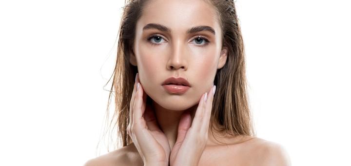 Скидка 55% на увеличения губ в клинике «Амрита»