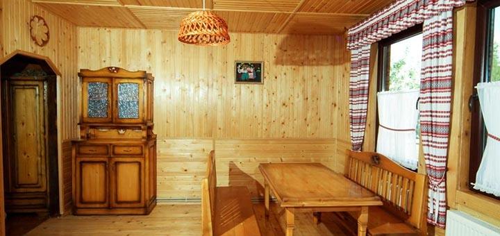 От 3 дней летнего отдыха с завтраками и бассейном в вилле «Гніздо Лелеки» в Сходнице