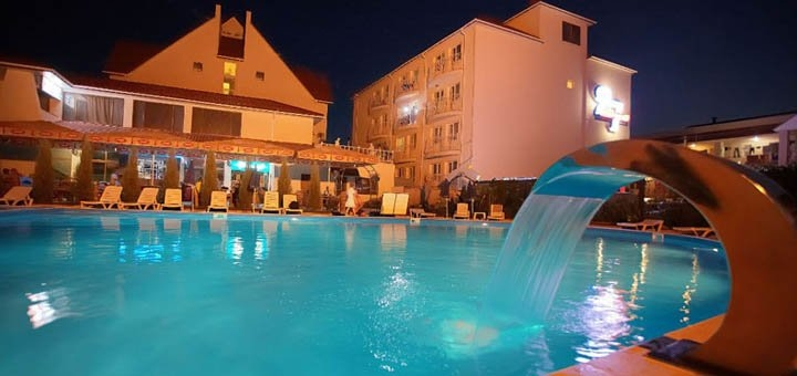 От 3 дней летом с бассейном под открытым небом в комплексе «27 Жемчужин» в Железном Порту