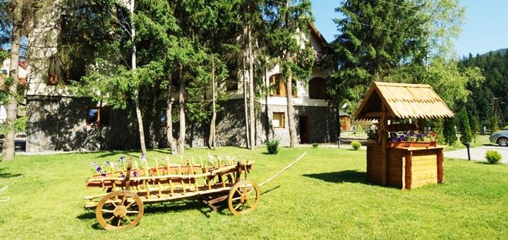 От 3 дней летнего отдыха с питанием и бассейном в отеле «Зербань» в Славском