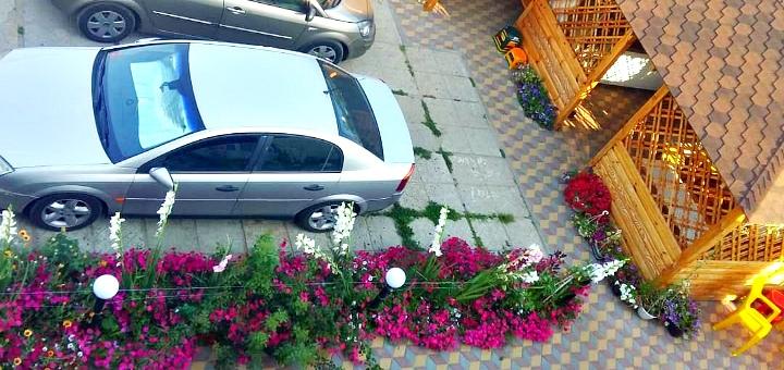 От 3 дней отдыха в бархатный сезон в отеле «Дача Солнце» в Затоке