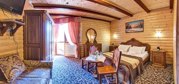 От 3 дней отдыха в отеле «Вилла Елена» с большим бассейном в Буковеле