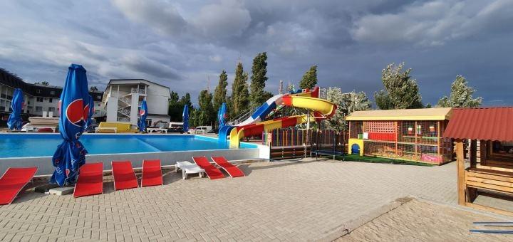От 4 дней летнего отдыха в отеле «Пляжный отель» в Коблево на берегу Черного моря