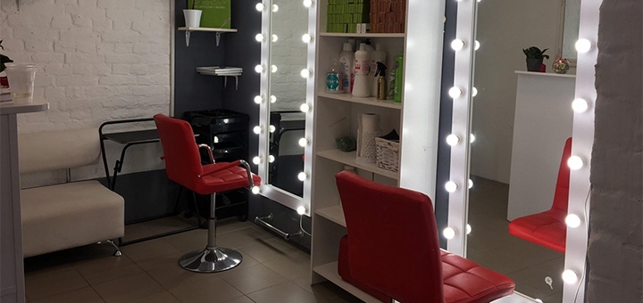 Окрашивание волос от мастера высшей категории в салоне красоты «AntiSalon Pechersk»