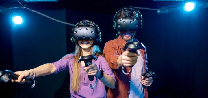 Час игры в VR в будние или выходные дни в клубе виртуальной реальности «ViRoom»