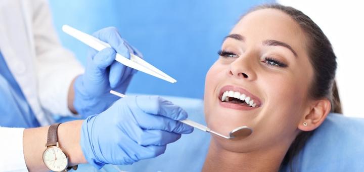 Скидка 70% на отбеливание зубов «Opalescence» с фторированием в стоматологии «The Dent»