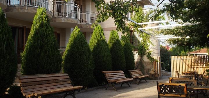 От 3 дней отдыха в бархатный сезон в отеле «Парус» в Санжейке на Черном море
