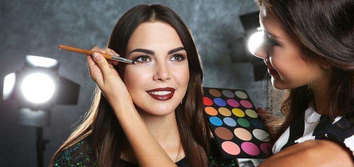Дневной или вечерний макияж в студии красоты «Queen Room»