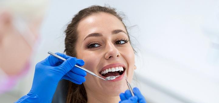 Лечение кариеса с установкой фотополимерных пломб в стоматологической клинике «Морозова»