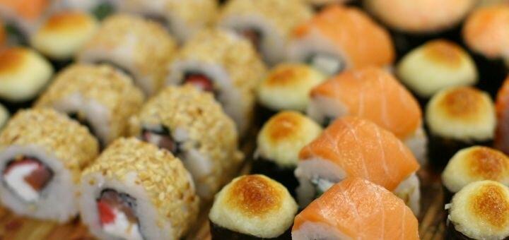 Скидка 55% на килограммовый сет «Эксклюзив» от магазина-ресторана японской кухни «Суши WOK»