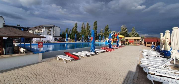 От 4 дней отдыха в бархатный сезон в отеле «Пляжный отель» в Коблево на берегу Черного моря
