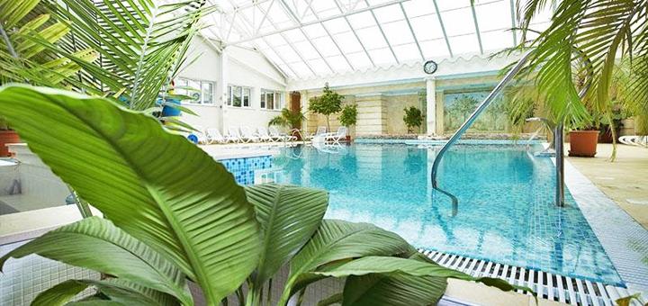 От 2 дней отдыха в бархатный сезон с завтраками и бассейном в отеле «Морской 4*» в Одессе