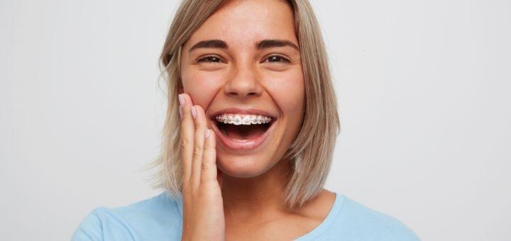 Скидка до 54% на установку металлических или керамических брекетов у ортодонта Дарьи Ахмад