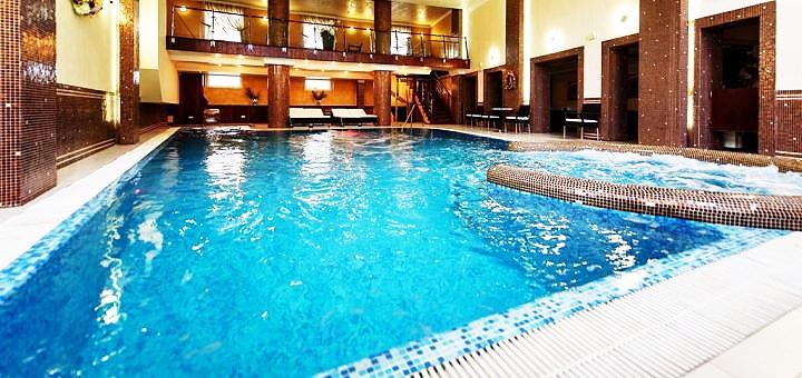 От 2 дней отдыха в сентябре и октябре с завтраками в отеле «Шале Грааль» в Трускавце