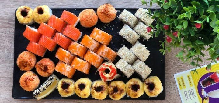 Скидка 50% на суши-сеты весом до 2 кг с доставкой или самовывозом от «Суши Wok» на Пушкина