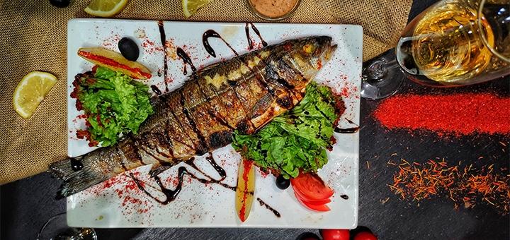 Рыбные сеты с двумя бокалами просекко в ресторане грузинской кухни «Хванчкара»