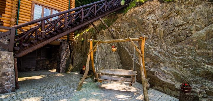 От 4 дней отдыха с питанием и трансфером в отеле «Кременица» в Карпатах