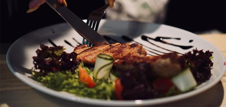 Знижка 40% на все меню кухні в лаундж-барі «Kapusta»