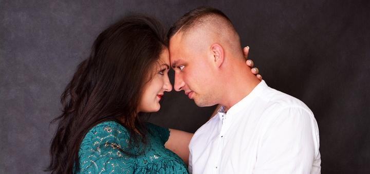 Выездная или студийная фотосессия «Love Story» от команды фотографов «Svetik Style»