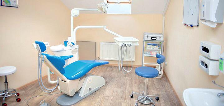 Ультразвуковая чистка зубов с глубоким фторированием и полировкой в «Стоматология для всех»