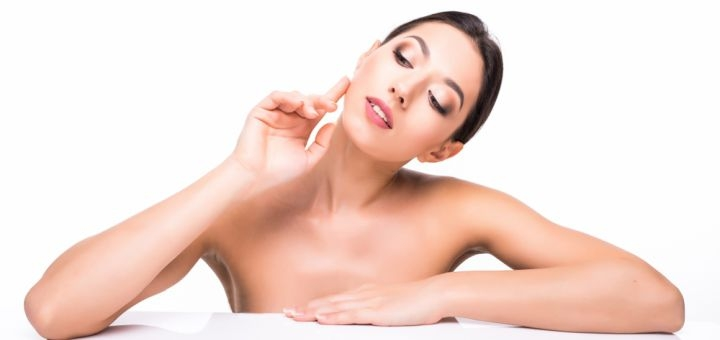 До 5 сеансов криолифтинга лица, шеи или декольте в салоне красоты «Maximum ecosalon»