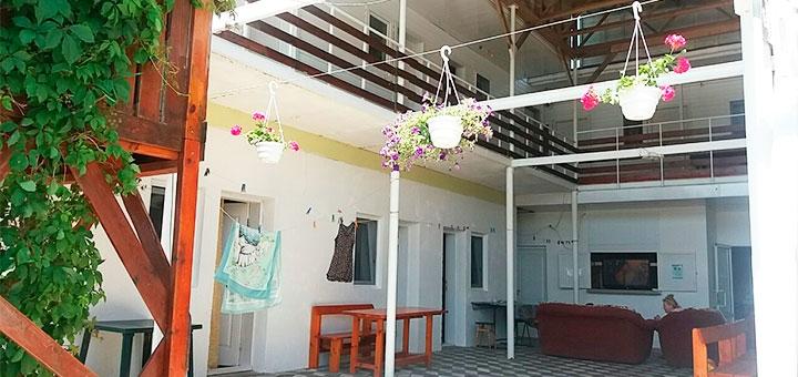 От 3 дней проживания в сентябре на базе отдыха «Азовушка-центр» в Кирилловке на Азовском море