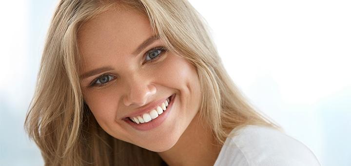 Ультразвукова чистка з Air-Flow та фторуванням зубів у стоматологічній клініці «Apex Dent»