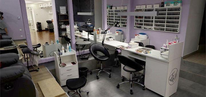 Маникюр и педикюр с покрытием гель-лаком в салоне красоты «ES Beauty Bar»