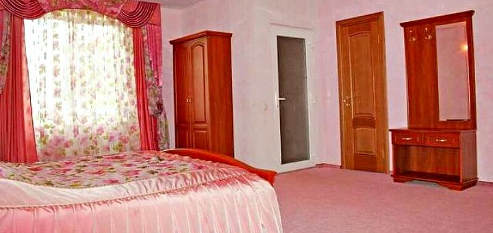 От 3 дней отдыха с завтраками в отеле «Святослав» в Карпатах