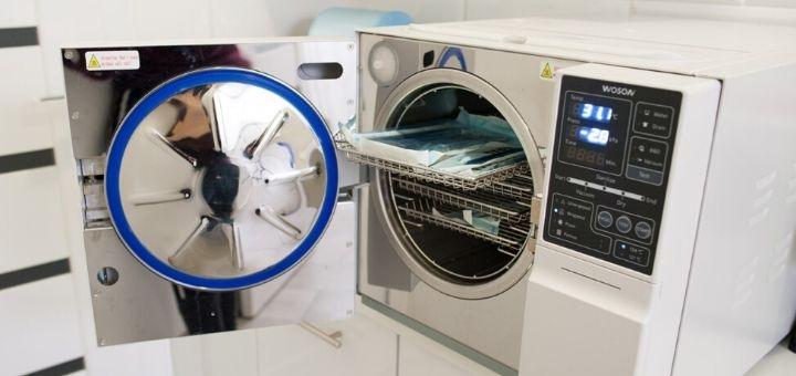 Лікування карієсу з установкою фотополімерної пломби в стоматології «Терадент»
