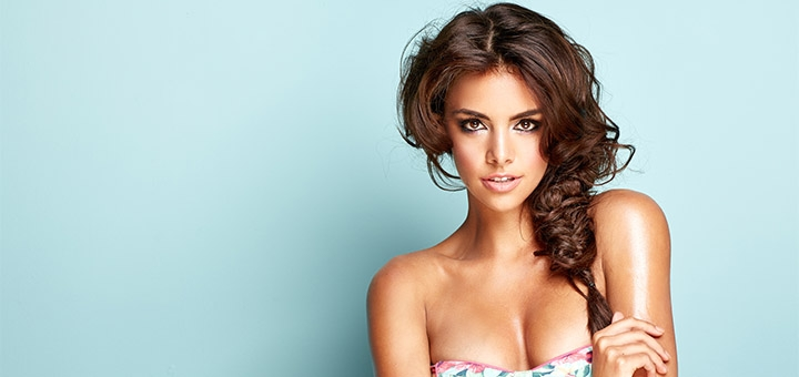 Скидка до 57% на профессиональный макияж, укладку, афрокудри и гофре от Алексеенко Кристины