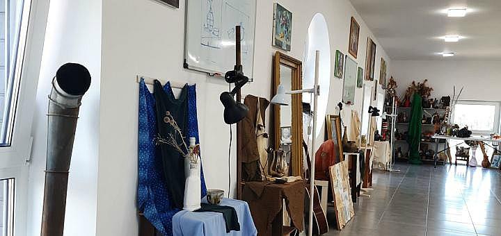 До 4 занятий живописью в художественной школе «Hurgri Art School»