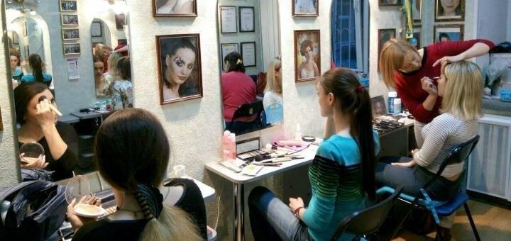 Индивидуальный мастер-класс по любому виду макияжа в студии визажа Ирины Лесовой