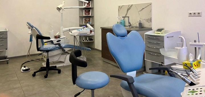 Скидка до 43% на установку керамических виниров «E-max» в клинике «Diva Dent»