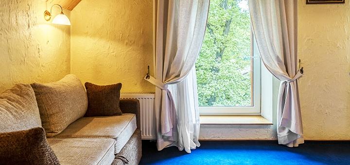 От 2 дней отдыха с завтраками, посещением сауны и кинотеатра в отеле «Древній Град» во Львове